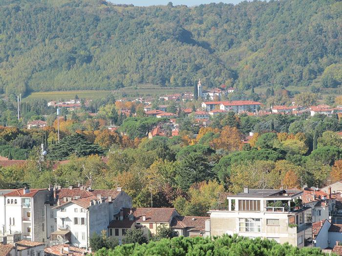 Autumnal_landscape_of_Gorizia
